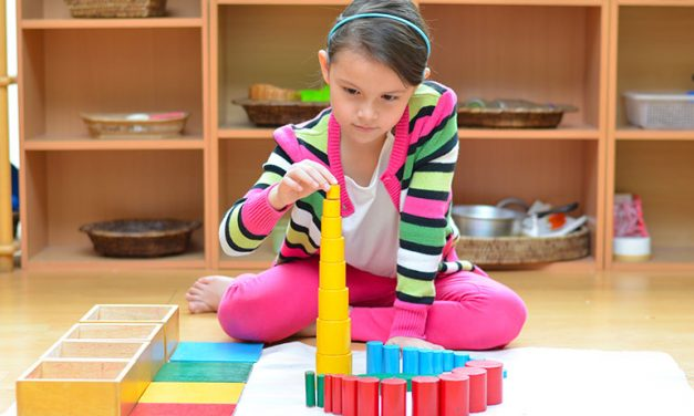 Des coffrets Montessori pour la maison